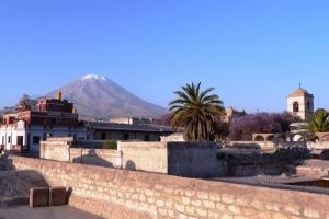 Typowy widok z dachów Arequipy