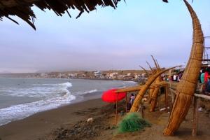 Tradycyjne łodzie w Huanchaco