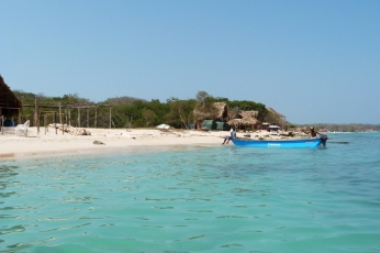playa-blanca-isla-baru-kolumbia