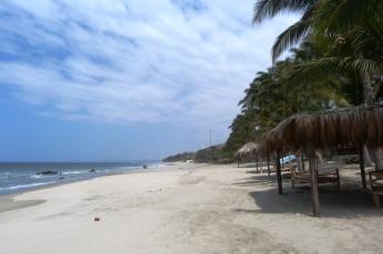 playa-pocitas-mancora-peru