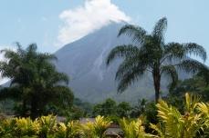 Wulkan Arenal widoczny z okolic źródeł