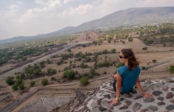 ...podobnie jak zwiedzanie piramid Majów